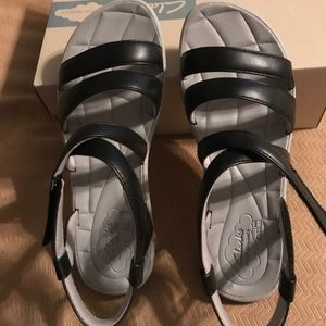 Clarks Cloudsteppers Sandals Sillian Spade 9 W NWT